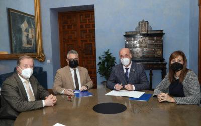 La Diputación y el Ayuntamiento de Puente Genil firman un acuerdo para la prestación de asistencia informática y la delegación de competencias en materia recaudatoria