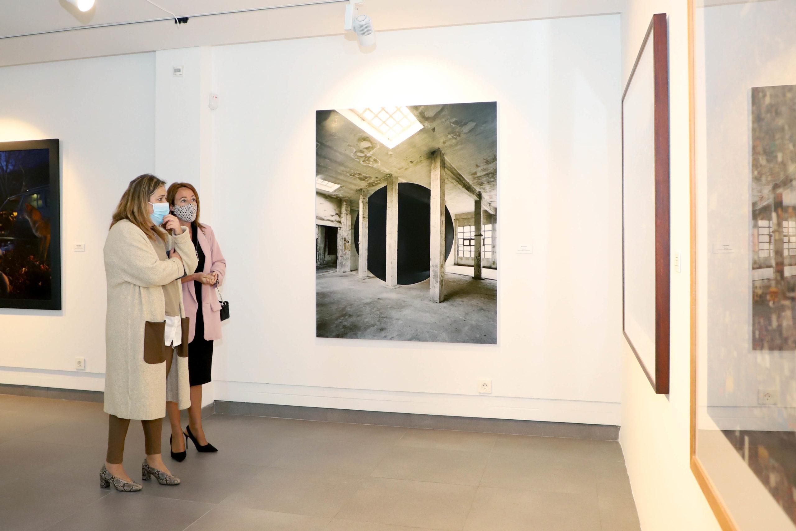 El Centro de Arte Rafael Botí acoge la fotografía contemporánea de la colección Los Bragales