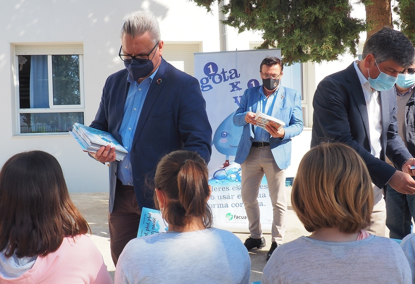Emproacsa traslada a 136 escolares de la localidad de Iznájar los talleres virtuales '1Gota x 1Vida'
