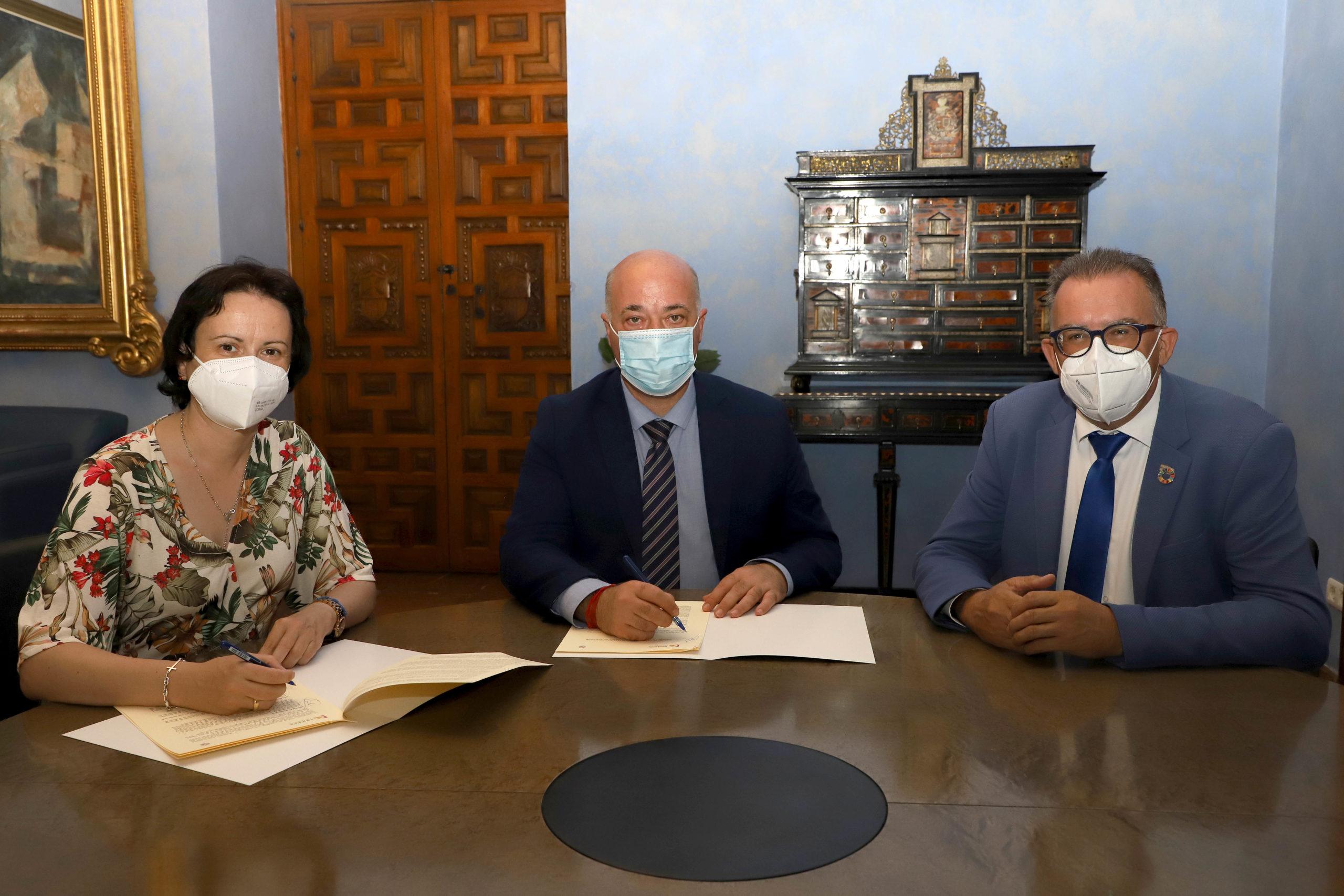 La Diputación y el Ayuntamiento de Villanueva del Duque pondrán en marcha un alojamiento rural en la localidad