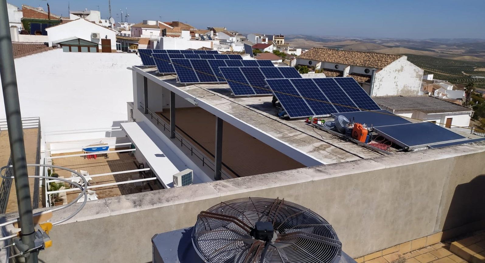 Edificios municipales de Carcabuey y Nueva Carteya serán dotados de instalaciones de fotovoltaicas para su autoconsumo