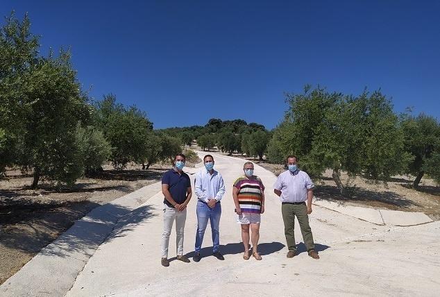 La Delegación de Infraestructuras Rurales concluye en Zuheros la obra de mejora del camino 'De los Esparteros'