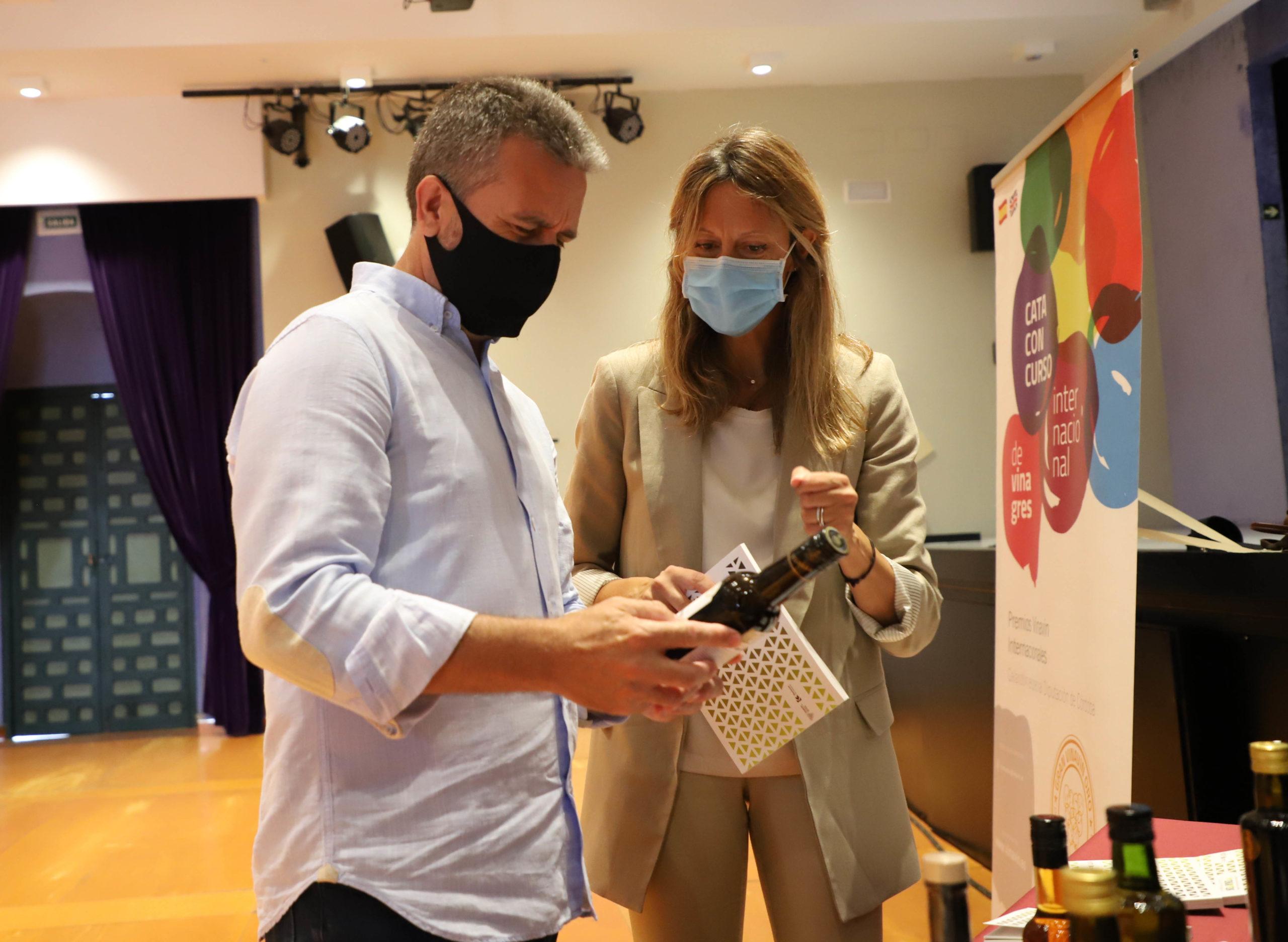 La Guía de Vinagres Vinavin, única en el mundo de este tipo, ve la luz incluyendo a los participantes de dos ediciones del Concurso Internacional
