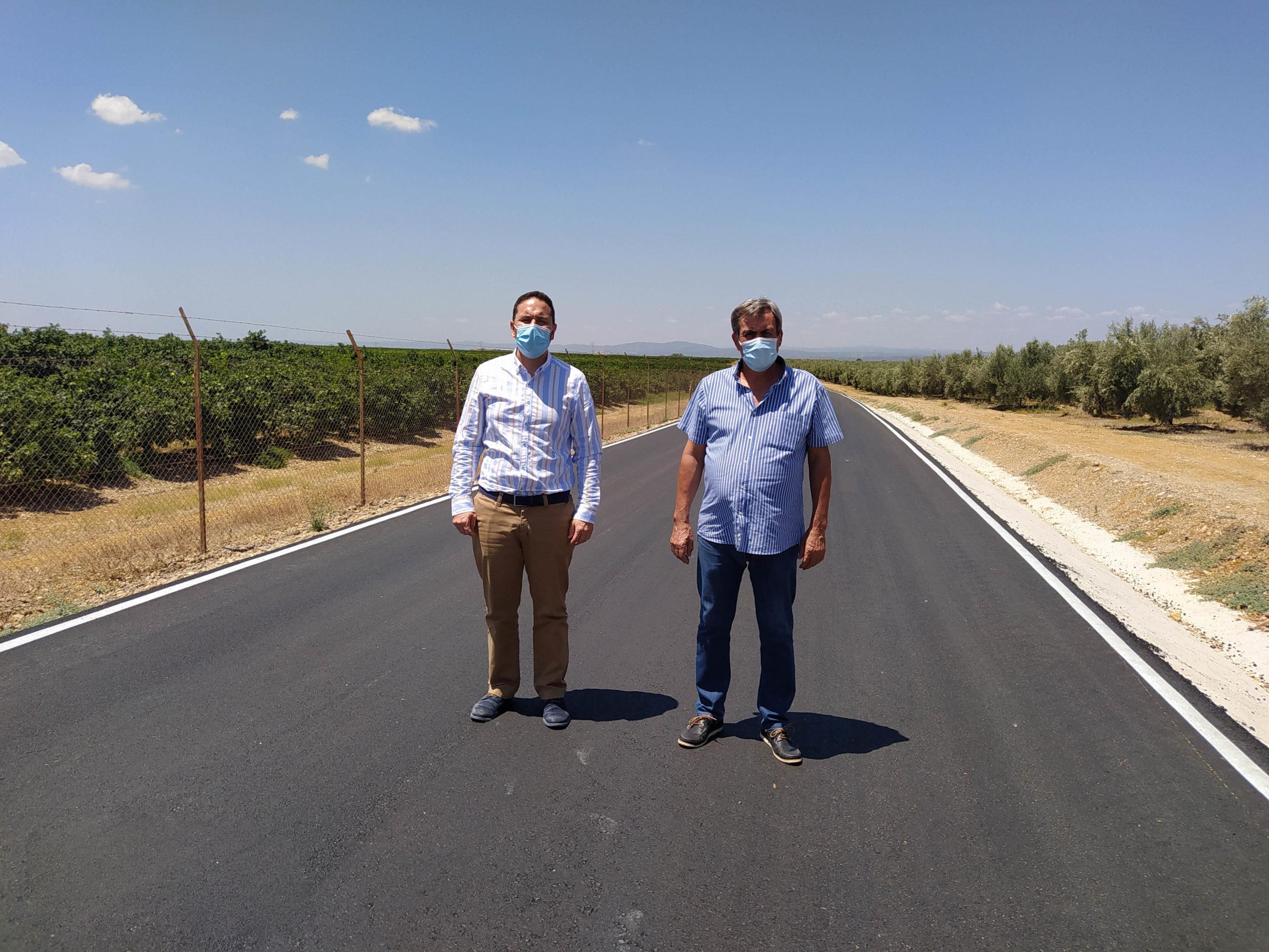 La Delegación de Infraestructuras Rurales mejora el camino rural 'De Palma', en Fuente Carreteros