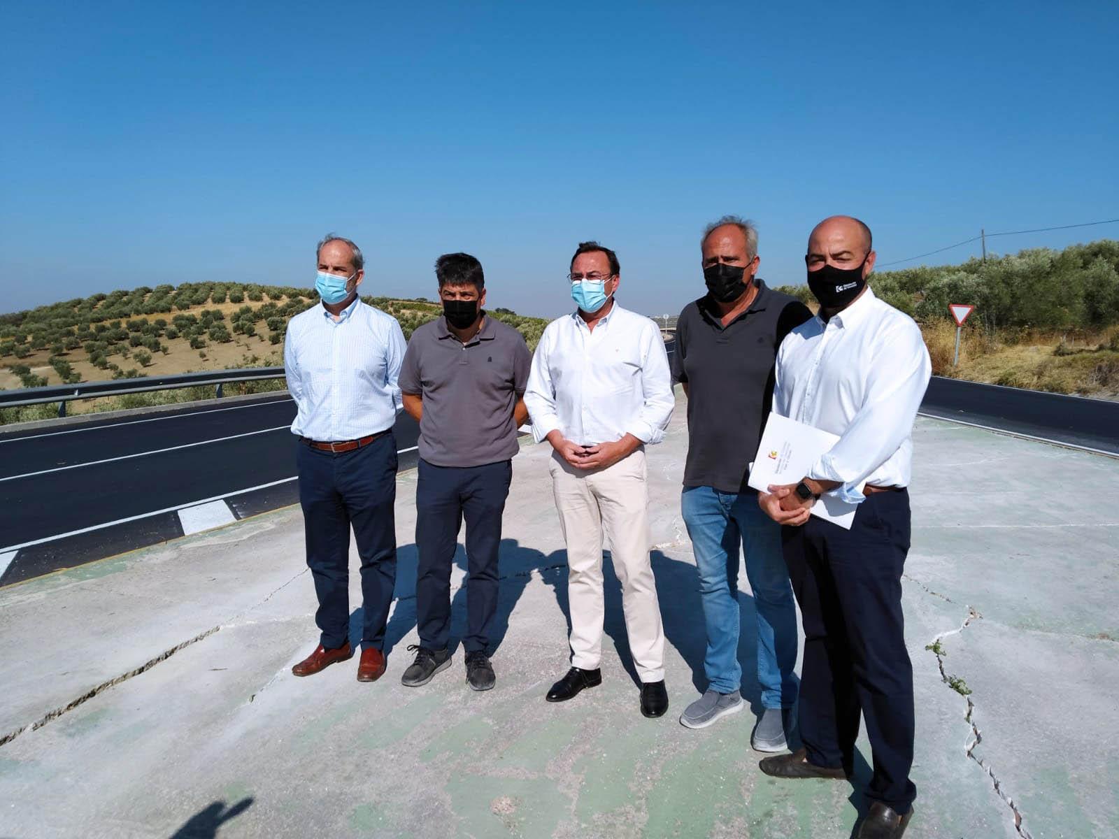 La Delegación de Carreteras de la Diputación de Córdoba interviene en la CO-5209 'De Monturque a Montilla' por Cerro Macho