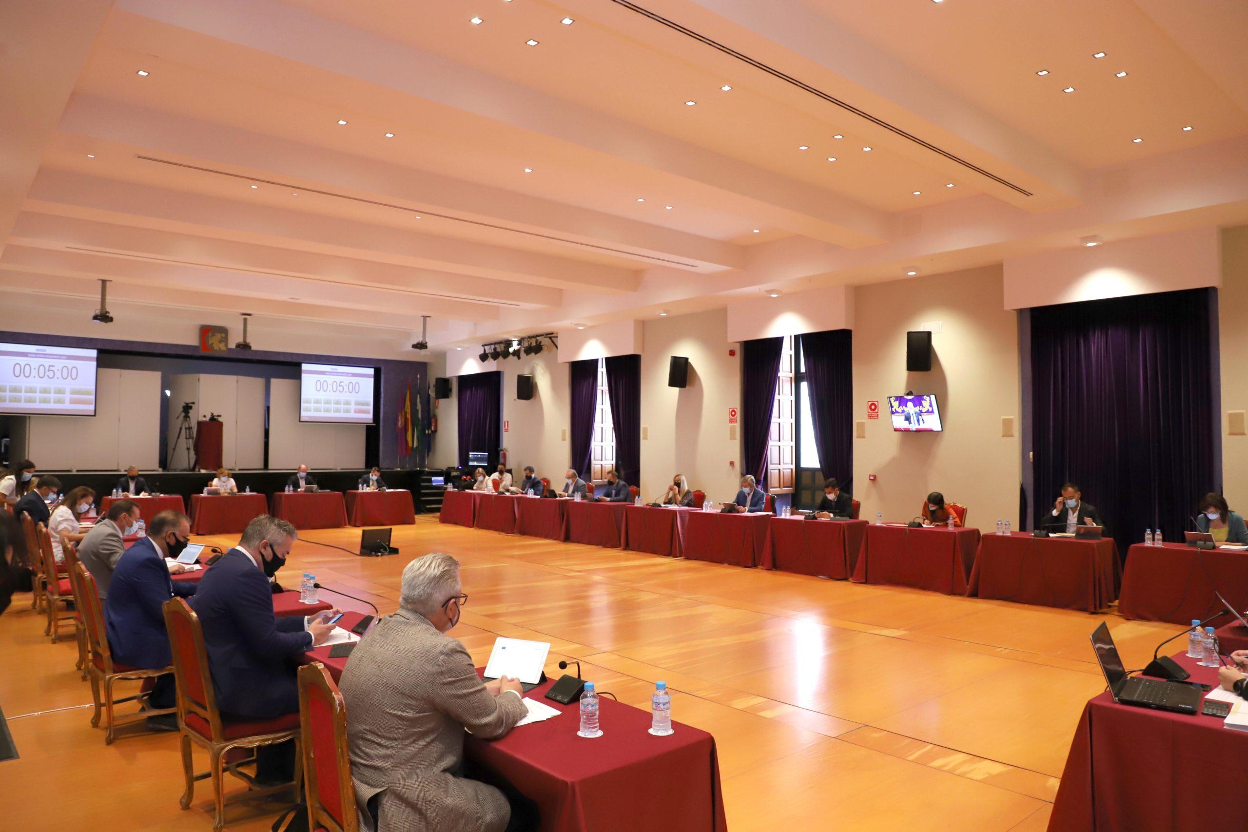 Prospera de forma definitiva el Plan de Asistencia Económica a Mancomunidades y se aprueba una modificación presupuestaria para el arreglo de carreteras provinciales