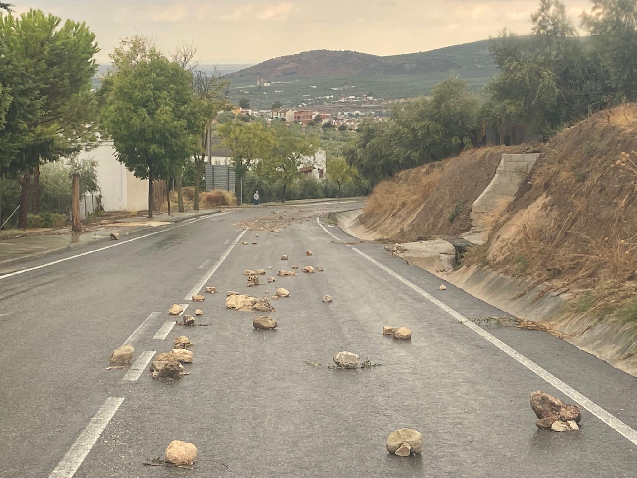 El Servicio de Carreteras continúa trabajando en las vías de la red provincial afectadas por las lluvias